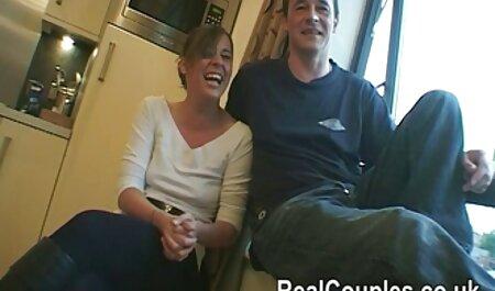 LustyGrandmas - Madura tetona atrapó videos de hentai español a un voyeur y lo hizo lamer