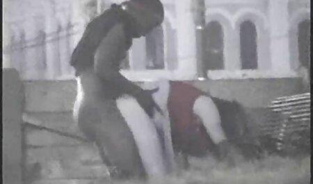 Viejo peludo se folla hentai en español peliculas a una adolescente virgen.