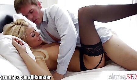 Madura modelo hentai español peliculas porno está deseando una buena follada anal con un chico