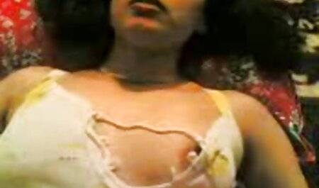 Tatuaje negro hentai sin censura subtitulado Medias negras Sarah Jessie folla duro en el sofá