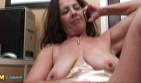 Pareja joven hace un video sexual en la webcam hentai en español en linea