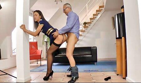 cruzar hentai idioma español las piernas; instinto básico