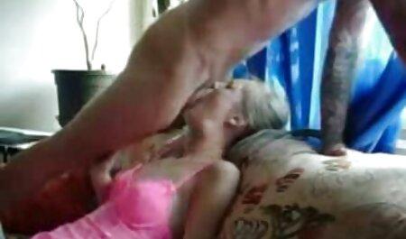 MILF pelirroja recibe manga hentai en español naruto un creampie anal