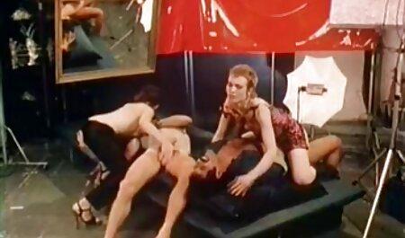 Coño destrozado por un enorme consolador hentai español hd