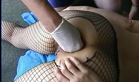 Adolescente alemana fea tentada a follar con una pareja mayor en peliculas hentai audio español un trío